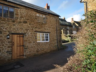49241 Cottage situated in Banbury (3.5mls SW)