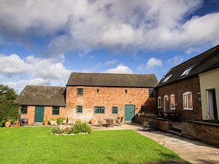 PK586 Cottage situated in Ashbourne (1.9 mls N)