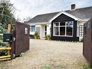29370 Bungalow situated in Fordingbridge (2mls NW)