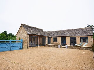 31912 Barn situated in Lechlade