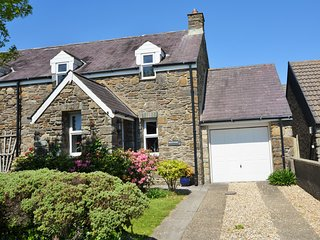 37270 Cottage situated in Fishguard
