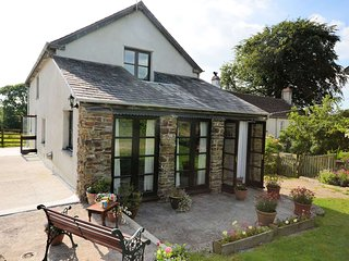 APPLA Cottage situated in Great Torrington (4mls E)
