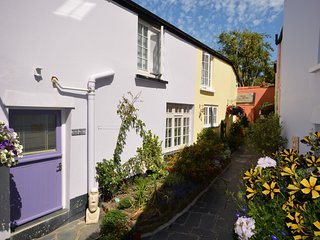 CSTAL Cottage situated in Appledore