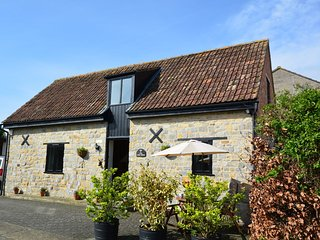 CAKEH Barn situated in Langport (5mls S)