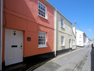 APCOB Cottage situated in Appledore