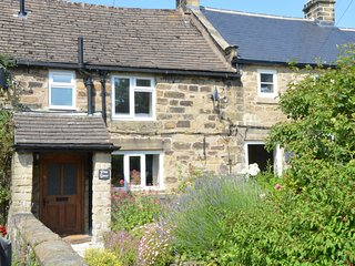 PK909 Cottage situated in Eyam