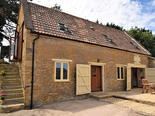 52964 Cottage situated in Sherborne (3.5mls W)