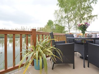 50360 Log Cabin situated in Tattershall Lakes