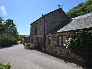NECLE Barn situated in Bideford (3mls S)