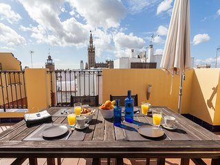 Green-Apartments Duplex Giralda Views