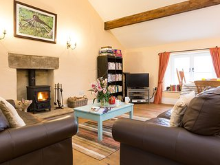 PK606 Cottage situated in Chapel-en-le-Frith (2.9mls E)