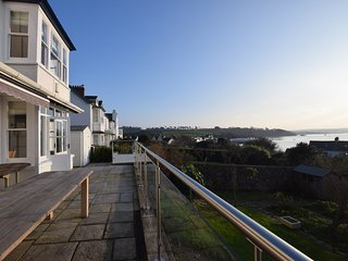 47687 House situated in Instow
