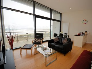 ATHEI Apartment situated in Westward Ho!