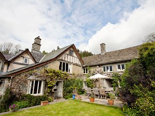 42815 House situated in Hay-on-Wye (12.5mls NE)