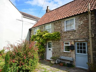 52STT Cottage situated in Wells