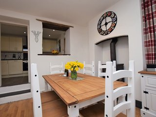 55114 House situated in Combe Martin