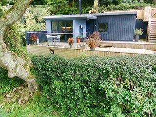 41563 Log Cabin situated in Lyme Regis (2mls NW)