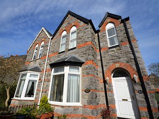 42278 House situated in Tenby