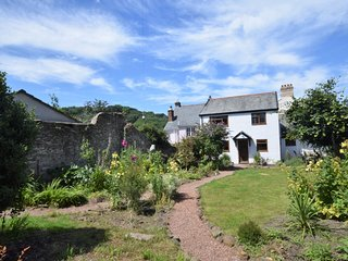 51762 Cottage situated in Combe Martin