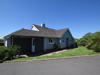 GHBUN Bungalow situated in Croyde (7mls E)