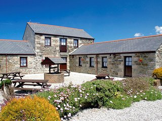 KMEAD Barn situated in Portreath (4mls SW)