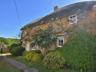 50738 Cottage situated in Beaminster (2mls SW)