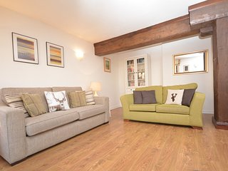 E1982 Apartment situated in Leith Shore
