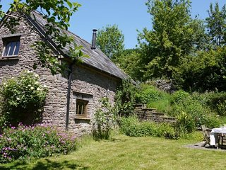 42840 Cottage situated in Abergavenny (3mls N)