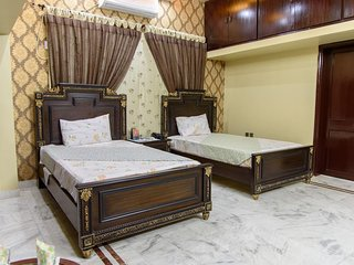 Patel Residency Guest House (Deluxe Twin Room) 4