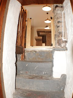 Steps from Hobbit Hole to kitchen