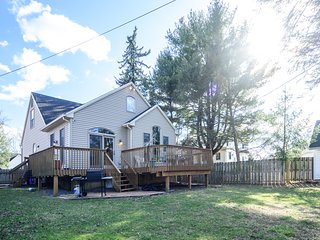3BR Home Pet and Kid Friendly 4 miles to Harrisburg 16 miles to Hersheypark