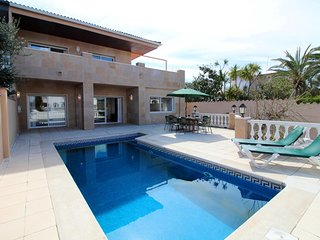 Apart-rent (0107) Villa con piscina al canal en Empuriabrava