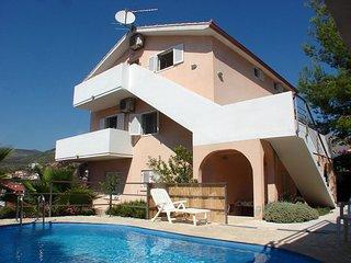 Two bedroom apartment Seget Vranjica, Trogir (A-14409-a)