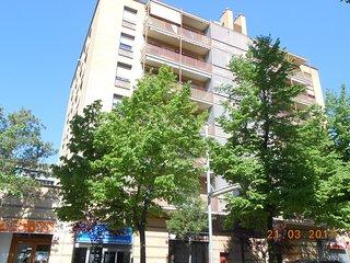 Apartamento entero a 30 Km de Barcelona. Fibra 400 simetrica