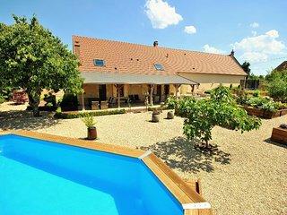 4 bedroom Villa in Varennes-les-Narcy, Bourgogne-Franche-Comte, France : ref 558