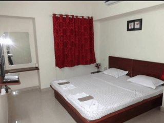 D P Service Apartment in Kopar Khairane - Bedroom 1