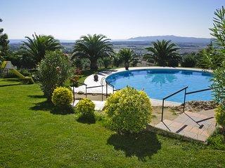 Tranquilos apartamentos con terraza y preciosa piscina. Ideal famílias. Ref. TOR