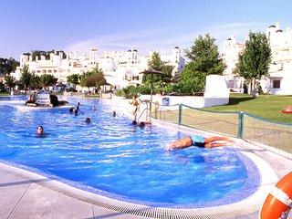 Fantásticos apartamentos con piscina y gran jardín. Ideal para famílias. Ref. PU