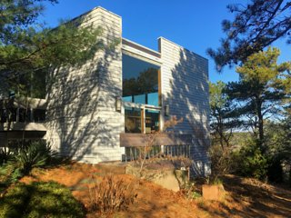 Contemporary Hilltop Home Next to National Seashore Park