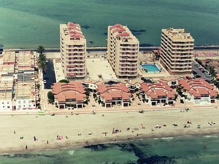 Apartamentos frente la playa con piscina. Bonitas vistas. Ref. ISLA GROSA-45