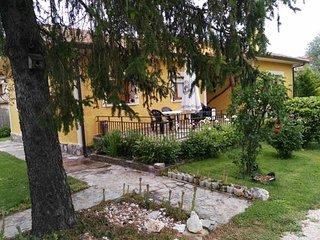 Chalet Riaza con Jardín y barbacoa