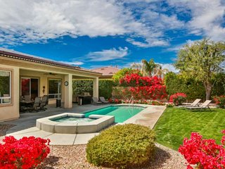 Private Getaway! Beautiful & Spacious updated home, refreshing private pool/spa,