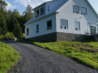 Windwalker Ridge...Magnificent View Home in the Mad River Valley, Vermont