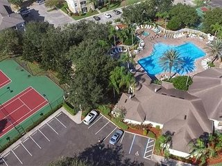 Steps to Disney in Top Rated Gated Resort, Beautiful 3BR Luxury Condo, Free Wifi