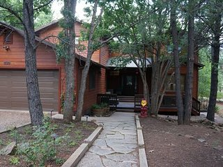 Large, Newly-Remodeled Cabin On The 7th Hole Of Pinetop Lakes Country Club