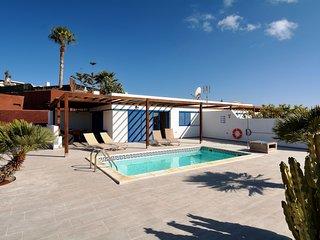 Villa c/piscina climatizada-playa cerca!Ref.237625