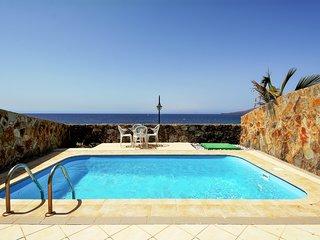 Equipada villa frente al mar & piscina!Ref.234200