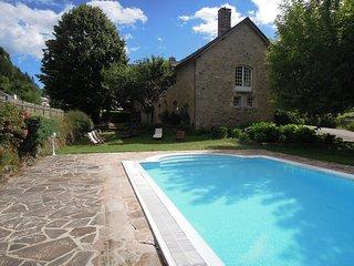 Tremoulis, grand gite avec piscine a La Canourgue Lozere