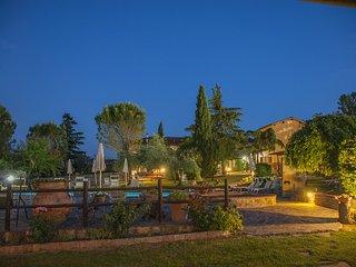 Le Pietre della Lodola with Airco, Pool and View.
