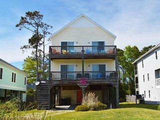Shore Thing, Easy Walk to Beach & Fishing Pier, Private Pool!